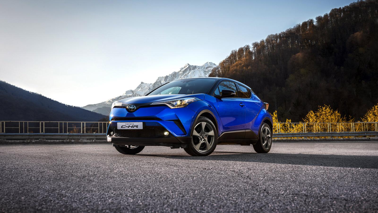 В России стартовали продажи маленького кроссовера Toyota
